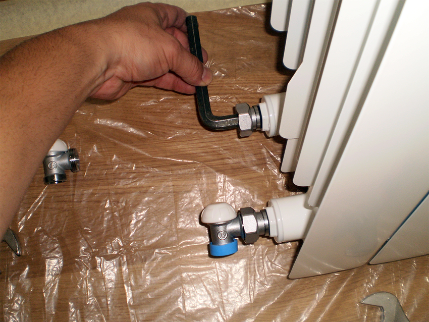 Installation of valves on radiators