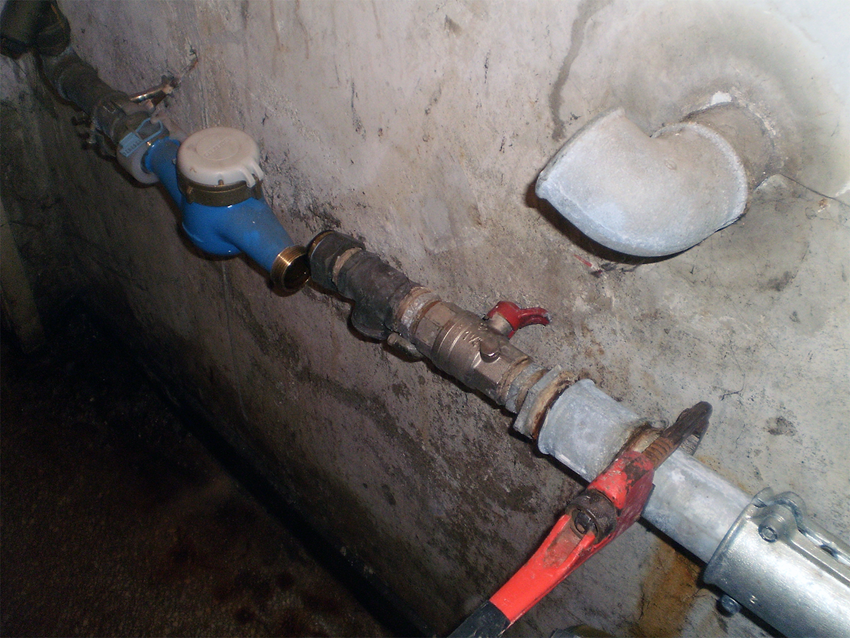 Repair of old iron pipes