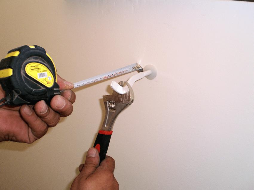 Монтаж на куки за радиатор